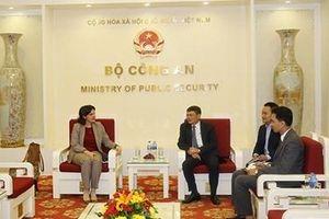 Cục Đối ngoại tiếp Đại sứ New Zealand và Đại sứ Cuba tại Việt Nam