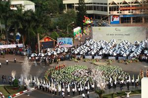 Sôi động Lễ hội đường phố Buôn Ma Thuột
