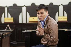 Toàn cảnh vụ ca sĩ Châu Việt Cường nhét tỏi vào miệng 'bạn tình'