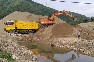 Bắc Kạn: Dân tố chủ đầu tư mỏ cát Nà Đeo bức tử sông Cầu