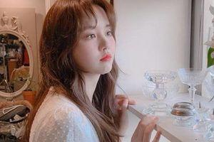'Em gái mưa' Kim So Hyun khiến chiếc váy 'cháy hàng' vì diện lên quá xinh đẹp