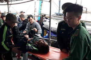 Nổ bình gas trên tàu đánh bắt cá ngoài biển, 6 người trọng thương
