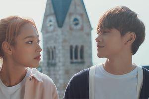 Hot boy JSol yêu đơn phương 'bạn gái Sơn Tùng' trong MV mới