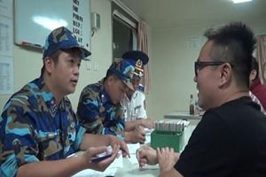 Vùng Cảnh sát biển 3 bắt giữ tàu sang mạn trái phép khoảng 3 triệu lít xăng