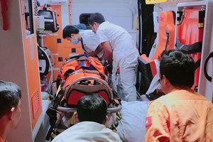 Vượt sóng dữ trong đêm đi cứu nạn thuyền viên có nguy cơ tử vong