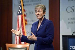 Bộ trưởng không quân Mỹ từ chức về làm giám đốc đại học