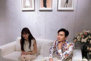 'Chị đại' Gong Hyo Jin khoe hình xăm cực chất, dí dỏm bàn về tuổi tác với Joo Ji Hoon
