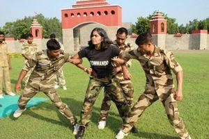 Người phụ nữ 20 năm làm huấn luyện viên biệt kích cho hơn 2 vạn binh lính