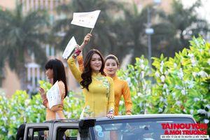 Các hoa hậu Việt Nam khoe sắc trong Lễ hội đường phố tại Buôn Ma Thuột