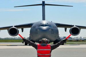 Ngỡ ngàng giá vận hành các loại máy bay hạng nặng của Mỹ