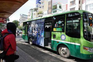 Tiếp tục dời ngày đấu giá quảng cáo trên xe buýt vì 'ế'