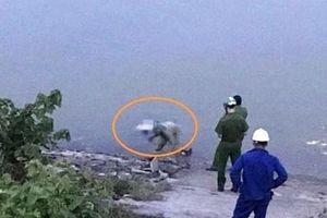 Hải Phòng: Phát hiện thi thể nam giới đang phân hủy trên sông Cấm