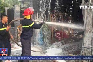 Cháy lớn thiêu rụi xưởng sản xuất nệm mút tại Đồng Nai