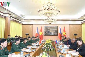 Bộ trưởng Quốc phòng Việt Nam và Philippines hội đàm