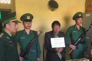 Bắt đối tượng vận chuyển 6kg ma túy đá từ Lào về Việt Nam