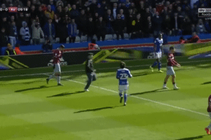 CĐV tấn công cầu thủ Aston Villa lĩnh án tù