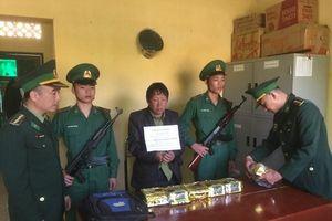 Tóm gọn đối tượng vận chuyển 6kg ma túy đá từ Lào về Việt Nam