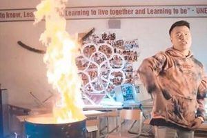 Vụ bị tố đốt sách để quay MV: Nhà trường có cho thuê phòng học?