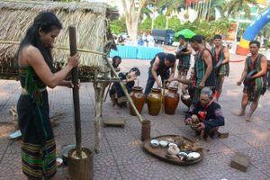 Tái hiện nghi lễ Cúng lúa mới của dân tộc M'nông Gar