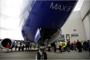 Dù bênh vực dòng 737 MAX 8, Mỹ yêu cầu Boeing thay đổi thiết kế