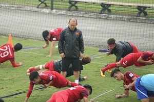 Thầy Park cầu kỳ chỉnh nắn 'đám trẻ' U23 Việt Nam