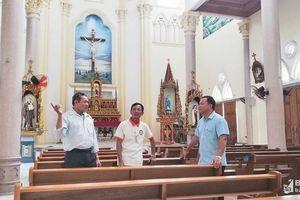 Tận tâm việc đạo, việc đời