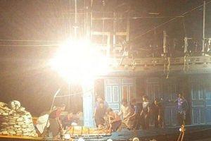 Hỏa tốc vượt biển cứu thuyền viên gặp nạn giữa trùng khơi
