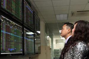 Chứng khoán ngày 13/3: VN - Index vững vàng trên mốc 1.000 điểm