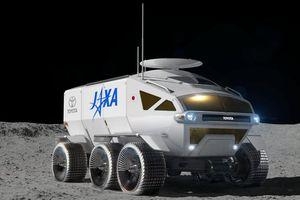 Toyota sắp phát triển xe địa hình mặt trăng tự lái