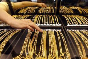 Giá vàng miếng nhích lên, USD tự do đi xuống