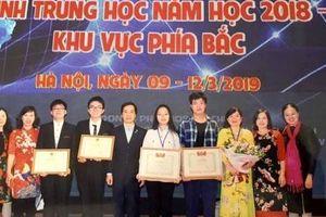 Học sinh chuyên Anh giành giải Nhất về đề tài lịch sử