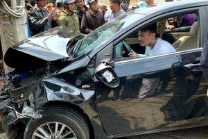 Thanh niên nghi ngáo đá lái ô tô gây tai nạn liên hoàn ở Đà Lạt