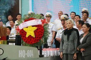 Đồng đội, người thân Đà Nẵng tưởng niệm 64 liệt sĩ Gạc Ma