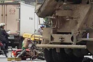 Người phụ nữ đi xe máy ngã ra đường bị xe bồn cán tử vong