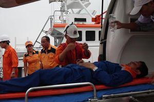 Cấp cứu thuyền viên viêm ruột thừa trên biển Hoàng Sa