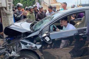 Thanh niên 'ngáo đá' tông loạt ôtô xe máy, nhiều người bị thương