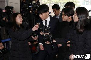 Bê bối clip nóng: Seungri mệt mỏi đến đồn cảnh sát trình diện