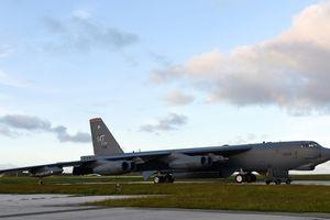 Oanh tạc cơ B-52 Mỹ tiếp tục huấn luyện ở Biển Đông