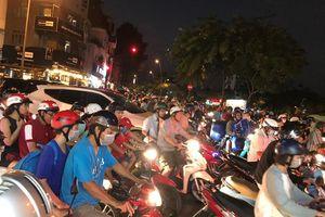 Tranh cãi gay gắt mục tiêu cấm xe máy