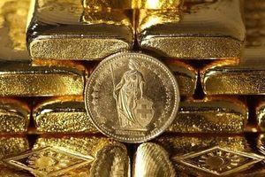 Vàng chạm mức cao nhất 2 tuần gần đây do nền kinh tế Mỹ