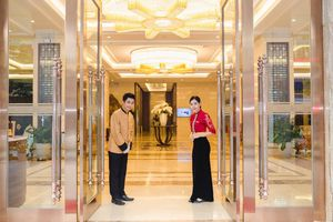 Phát triển kinh doanh bên cạnh giữ gìn văn hóa truyền thông: Tết Mường Thanh