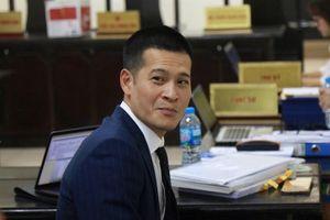 Xử vụ Tuần Châu - đạo viễn Việt Tú: Tranh cãi căng thẳng đến tối muộn