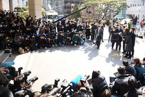 Sau loạt diễn biến của Jung Joon Young, Seungri xuất hiện lần thứ 2 tại sở cảnh sát