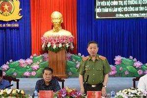 Bộ trưởng Tô Lâm kiểm tra công tác tại Công an tỉnh Cà Mau