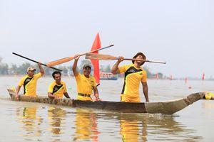 Hấp dẫn hội thi đua thuyền độc mộc ở Đắk Lắk