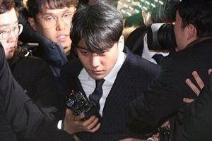 Seungri mệt mỏi khi xuất hiện sau 16 tiếng bị cảnh sát thẩm vấn