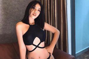 Bạn gái cũ rapper Andree mặc táo bạo, khoe body nóng bỏng