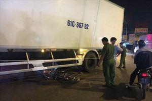 Tai nạn xe đạp và xe tải khiến cháu gái 14 tuổi tử vong thương tâm