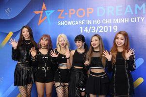 Hai nhóm nhạc đa quốc tịch Z-Boys và Z-Girls biểu diễn tại POPS Awards