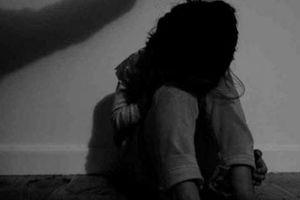 Bé gái 13 tuổi bị hàng xóm xâm hại dẫn đến mang thai